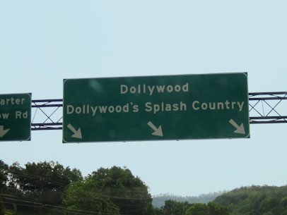 Dollywood highway sign