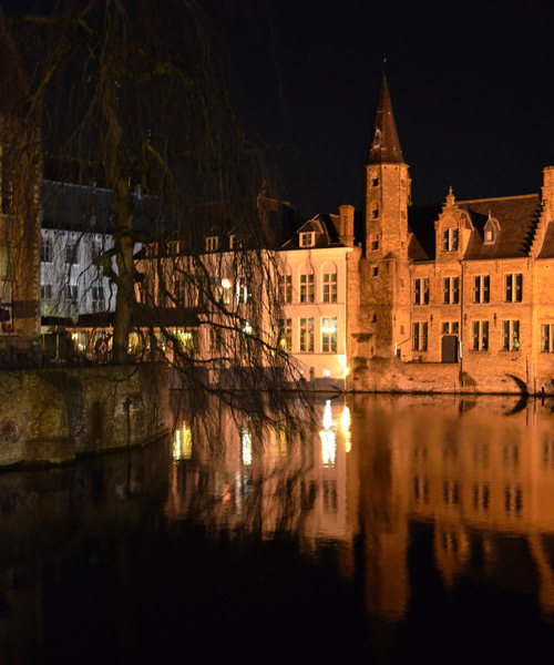 Bruges canals at night