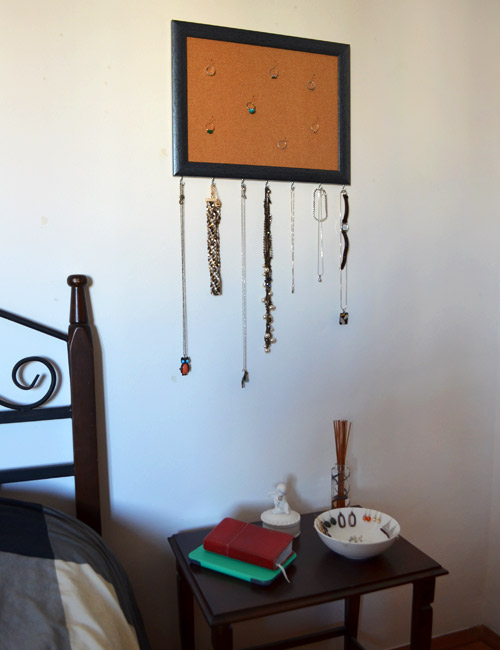 Frame jewelry holder