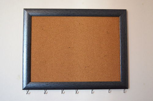 Framed cork jewelry hanger