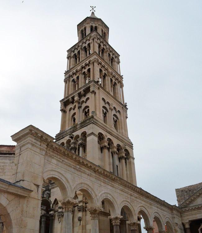 Split castle