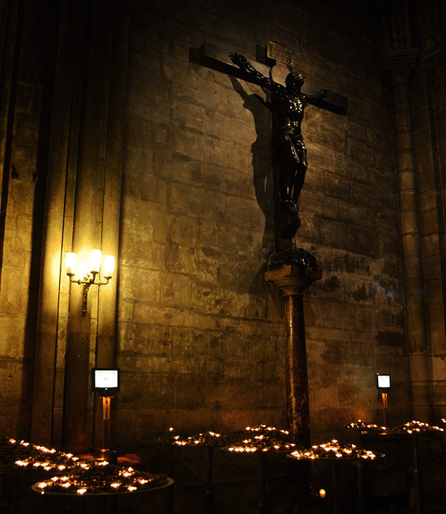 Notre Dame - Jesus on Cross