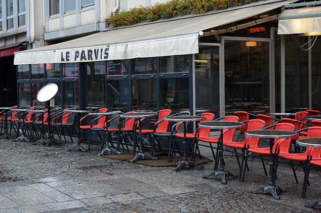 Paris red chairs