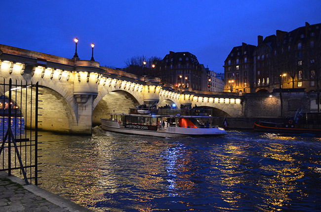 Paris river at night