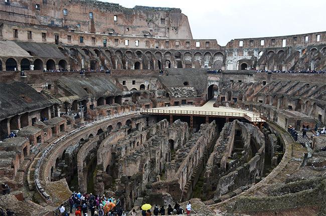 Colosseum maze