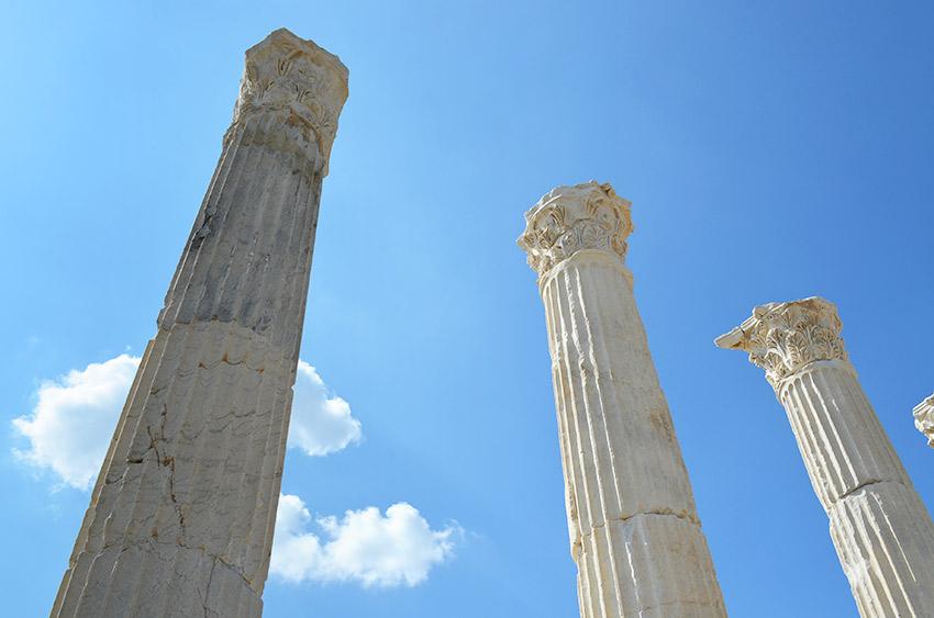 Laodicea agora columns