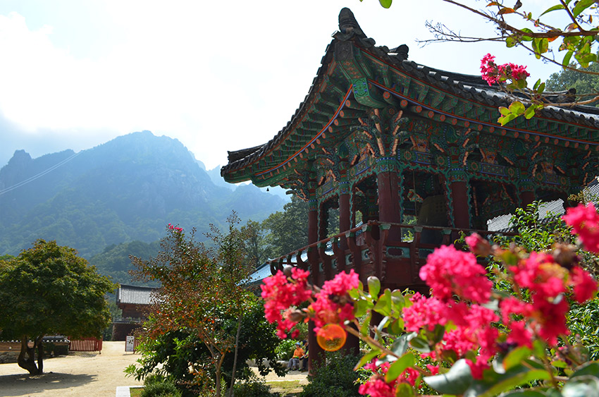 Seoraksan temple