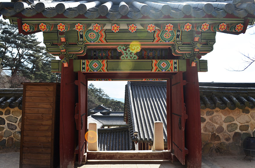 Bulguksa architecture and roofs