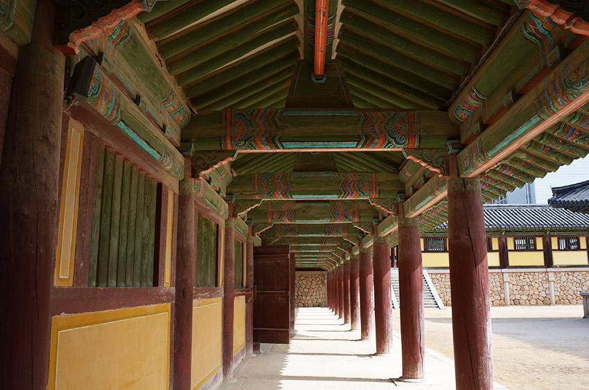 Bulguksa walkway