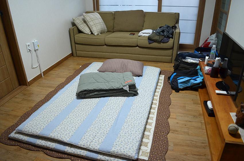 Sleeping floor mats