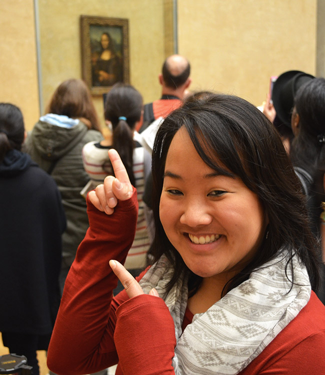Louvre: Leah with the Mona Lisa